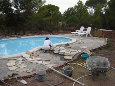 c est parti pour le dallage de la plage de la piscine blog d 39 olivier hoarau aka funix. Black Bedroom Furniture Sets. Home Design Ideas